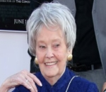 'Conjuring' Stars Mourn Death of Lorraine Warren, the Real-Life Inspiration of the Movie