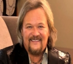 Travis Tritt Involved in a Deadly Tour Bus Accident