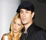Surprise! Anna Kournikova Shows Huge Baby Bump While Boating With Enrique Iglesias
