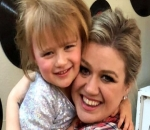 Kelly Clarkson Swears She Safely Added Purple Streak to Daughter's Hair