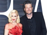 Gwen Stefani Serenades Blake Shelton for His Birthday, Gives Epic Present