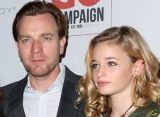 Ewan McGregor's Daughter Dubs His Dad's GF Mary Elizabeth Winstead 'Piece of Trash'