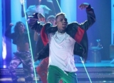 Chris Brown Saves Fainting Fan From Collapsing Onstage