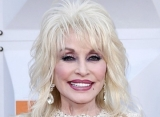 Dolly Parton Hopes to Write Song for '9 to 5' Remake