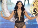 Adriana Lima: Brazilian Drag Queen Taught Me Runway Techniques