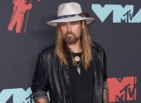 Billy Ray Cyrus Collaborates With Voices of Service for Special Veterans Day Performance