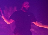 Video: Drake Cuts Short Camp Flog Gnaw Set After Getting Booed Off Stage