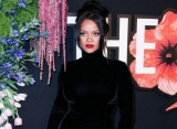 Rihanna Shows Alleged Tiny Baby Bump at British Fashion Awards