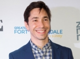 Justin Long Laughs Off Gay Incest Rumors