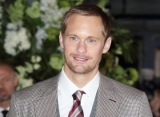 Alexander Skarsgard Blames His Good Looks for Derailing Acting Career