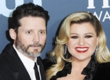 Kelly Clarkson Pens 60 Songs as She Deals With Heartache After Brandon Blackstock Split
