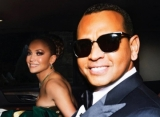 Jennifer Lopez Ditches Engagement Ring a Month After Being Hit With Alex Rodriguez Split Rumors