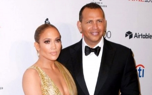 Jennifer Lopez Reveals Alex Rodriguez Sent Her a Racy Text Message on Their First Date