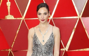 Gal Gadot to Produce and Potentially Star in Fidel Castro Film