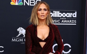 Jennifer Lopez Planning to Direct a Movie Musical