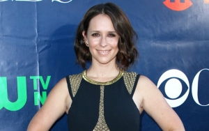 Jennifer Love Hewitt Shares Rare Glimpse of Her Family by Posting Pregnancy Picture