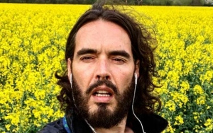 Russell Brand Thanks Doctor for Saving His Mom's Life