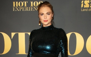 Pregnant Kate Upton Flaunts Baby Bump in Shimmery Dress
