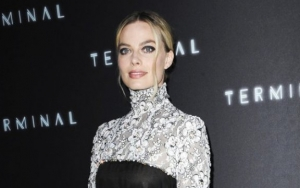 Margot Robbie Puts Babies On Hold to Take Care of Dogs