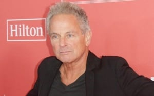 Lindsey Buckingham Opens to Fleetwood Mac Return If Asked