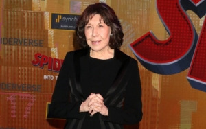 Lily Tomlin Said No to Coming Out Story on Time's Cover Over Distraction Fear