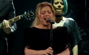 Kelly Clarkson Causes Fans Frenzy With Cover of Lady GaGa's 'Shallow'