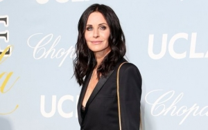 Courteney Cox Offers Clip of Nostalgic Visit to 'Friends' Apartment