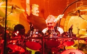 Video: Roger Waters and Nick Mason Reunite for Surprise Performance