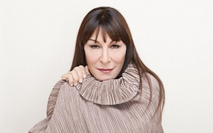 Anjelica Huston Wants People Hurt by Her Vulture Interview to Come Back at Her