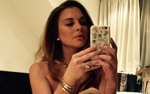 Lindsay Lohan Celebrates Birthday With Naked Mirror Selfie