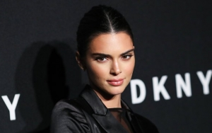 Kendall Jenner Debuts Blonde Hair at Burberry's London Fashion Week Show
