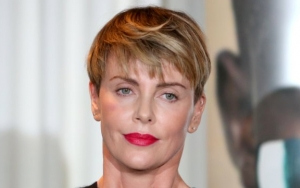 Charlize Theron Dishes How She Injured Her Thumb During Fight Scene Filming