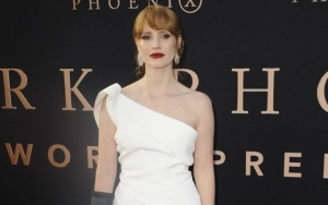 Jessica Chastain Sends Vegan Burgers to New York Healthcare Workers Battling COVID-19