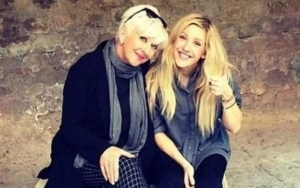 Ellie Goulding Says Her Feud With Mother Sends Her to Therapy