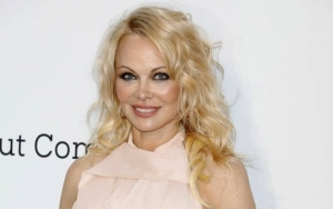 Pamela Anderson Laments Over Separation From Sons Caused by Coronavirus Pandemic