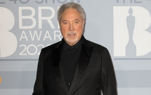 Tom Jones Jokes About Being 'Bulletproof' After Getting Two Doses of Covid-19 Vaccine