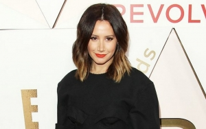 Ashley Tisdale Gets Naked to Show Off Pregnancy Body