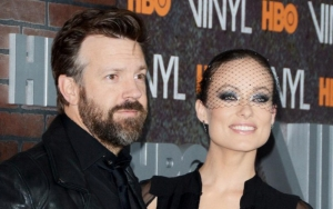 Jason Sudeikis Applauded by Olivia Wilde for Winning Big at 2021 Critics' Choice Awards