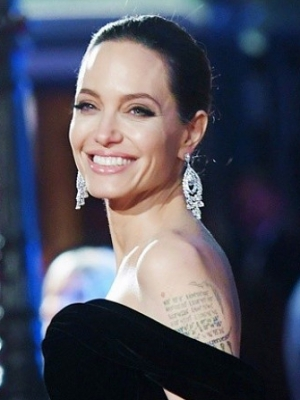 Angelina Jolie Doesn't Believe 'Feminity Fades After 40'