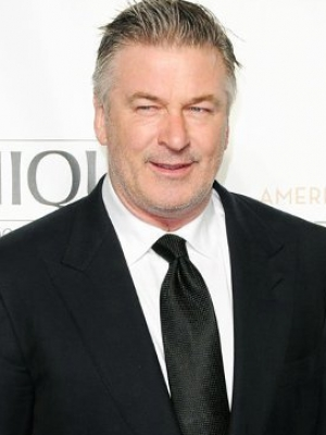 Alec Baldwin Withdraws From Speaking at Award Ceremony for Billy Crystal