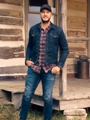 'What Makes You Country' Video: Luke Bryan Gives Inside Look at His Life in Nashville Farm