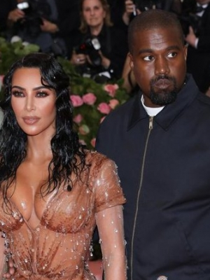 Kanye West's Negative Response to Kim Kardashian's Met Gala Outfit Gives Her 'Bad Anxiety'