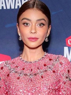CMT Awards 2020: Sarah Hyland, Noah Cyrus Look Sparkling on Red Carpet