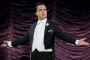 Robbie Williams Flips Off At World Cup Ceremony