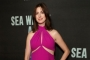 Anne Hathaway Flaunts Baby Bump on Broadway Opening Night
