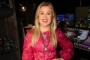 Kelly Clarkson Addresses Difficult Part of Her Divorce: It Involves a Lot of Little Hearts