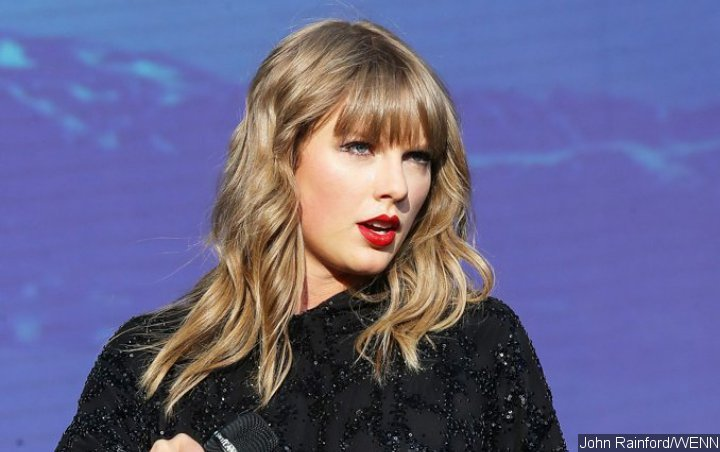 Taylor Swift's Tour Dancer Involved in Car Accident
