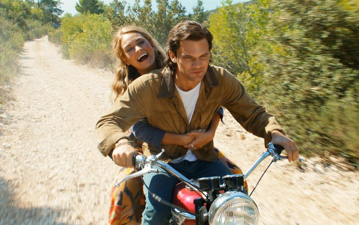 Jeremy Irvine Afraid to Sing in 'Mamma Mia! Here We Go Again' - Here's Why