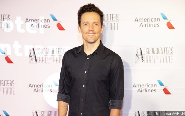 Jason Mraz and Virginia Students Join Forces for TV Performance