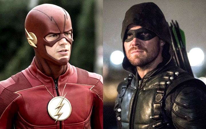 Grant Gustin and Stephen Amell Switching Costumes in New 'Elseworlds' Set Photos